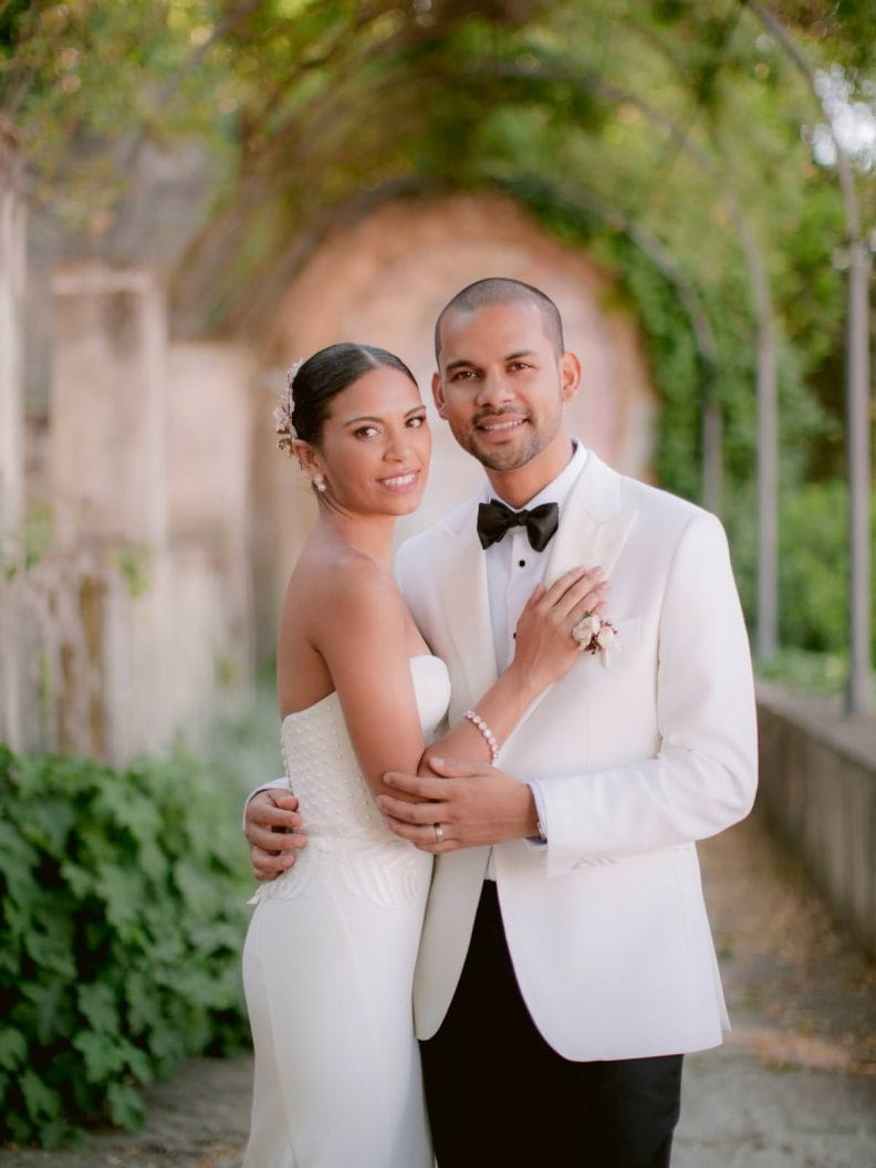 bride and groom during their photo session in Giardino Bardini in Florence