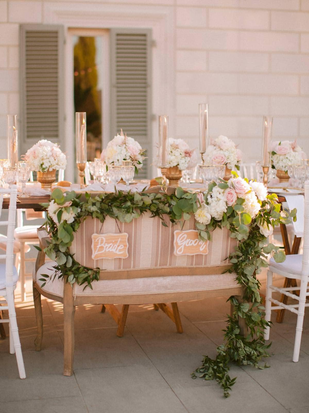 stylish wedding table setting at villa la vedetta