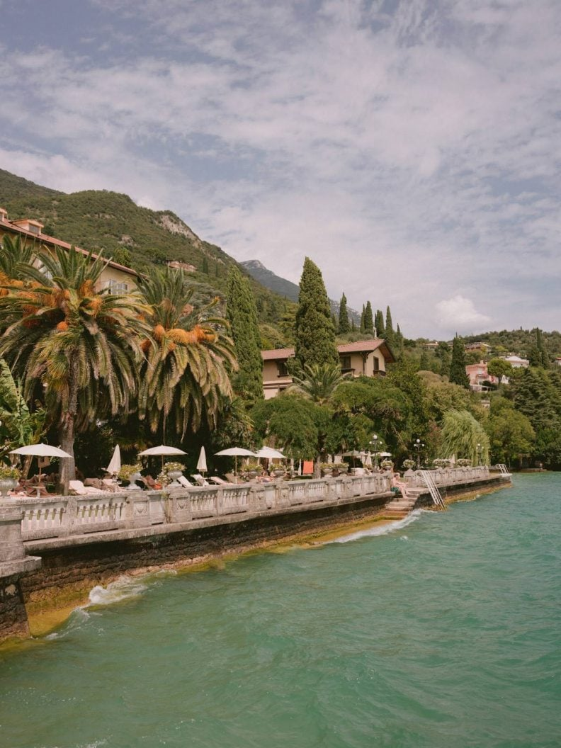 get married on the lake in Italy