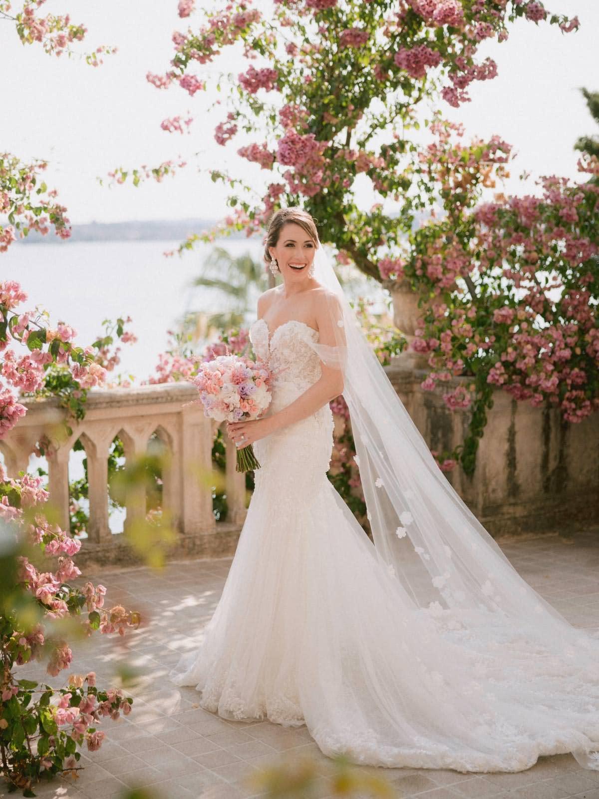 stunning bride portrait at Isola del garda