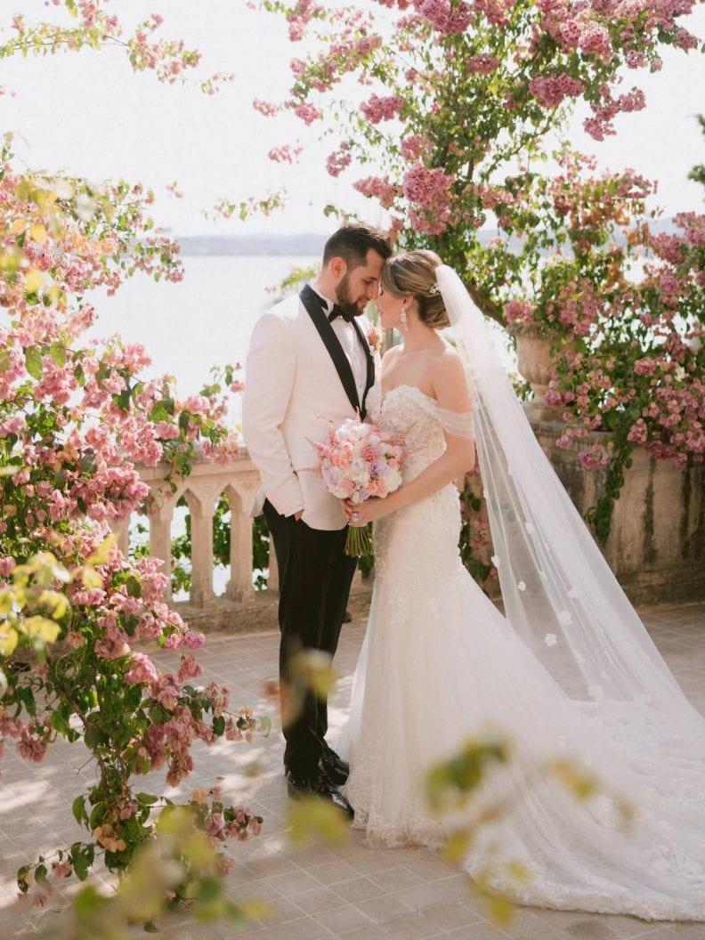 bride and groom at Isola del garda on Garda Lake