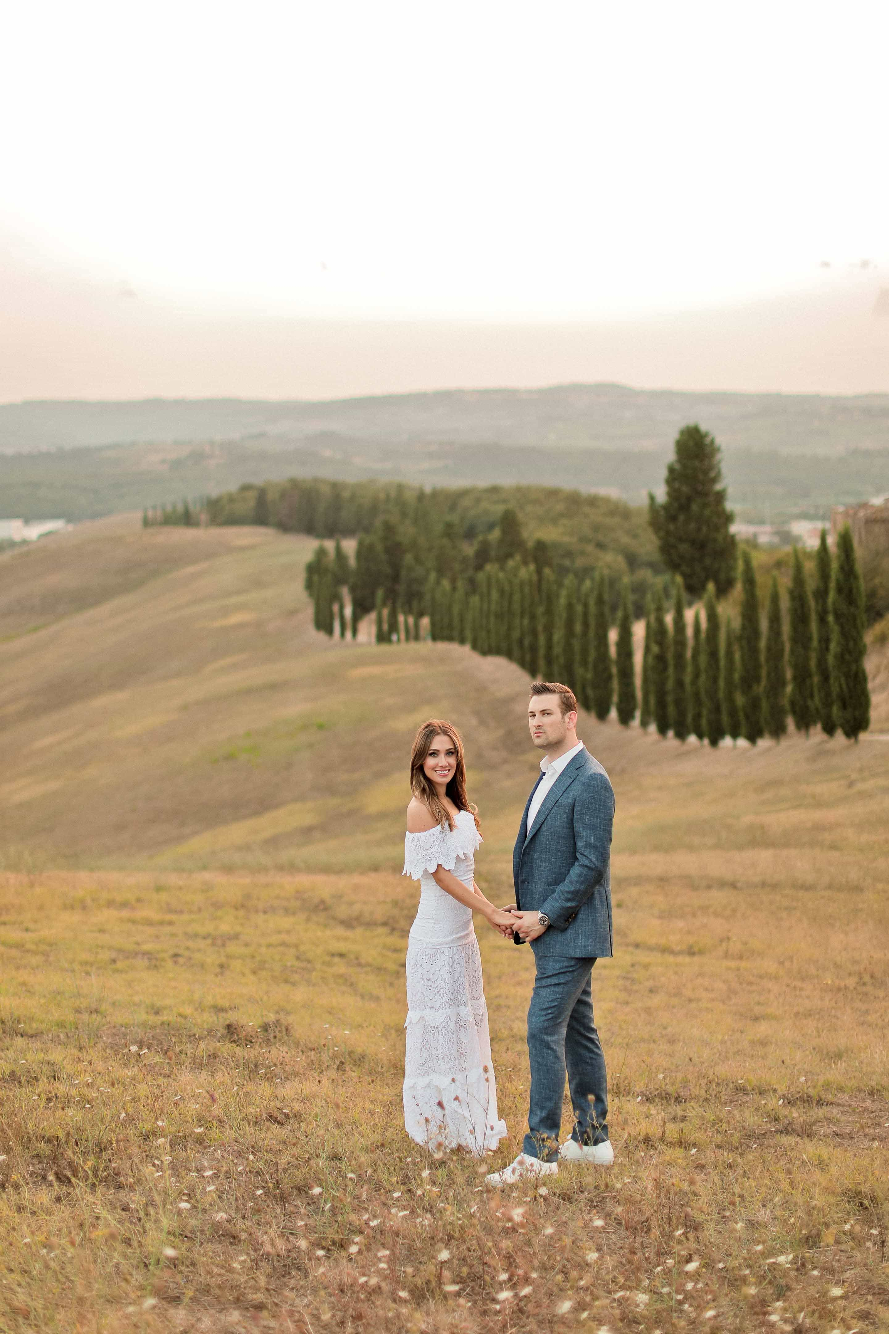 couple portrait in the countryside