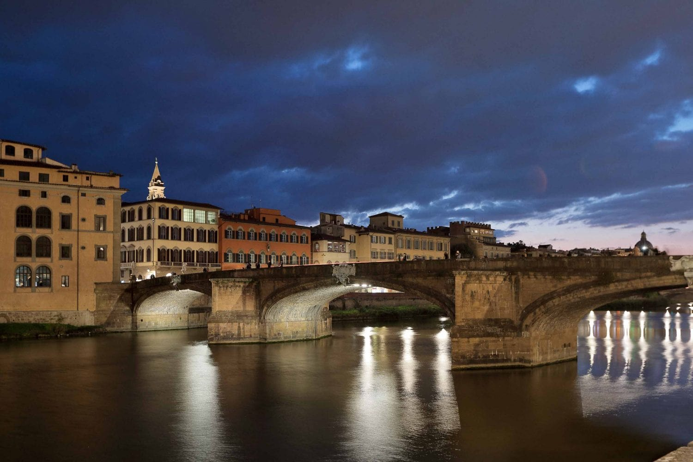 santa trinita bridge at dusk