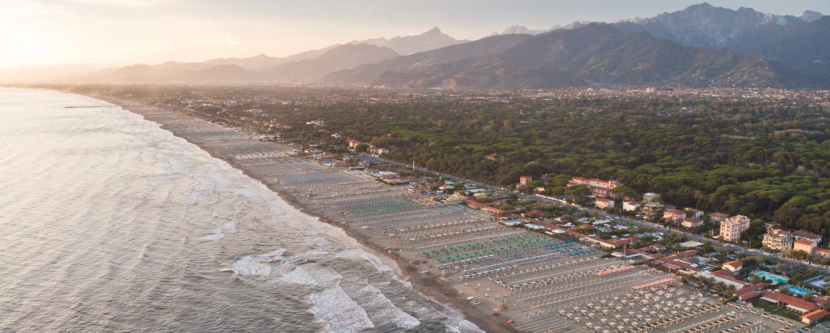 Italian Case Forte Dei Marmi forte dei marmi weddings // the wedding blog // facibeni